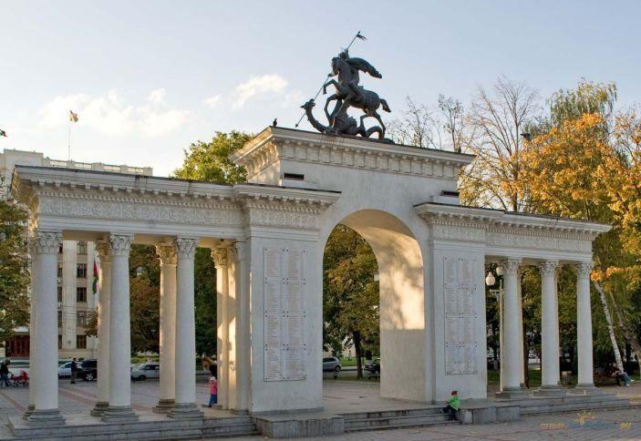 сквере имени Маршала Г.К. Жукова (Первомайский сквер)
